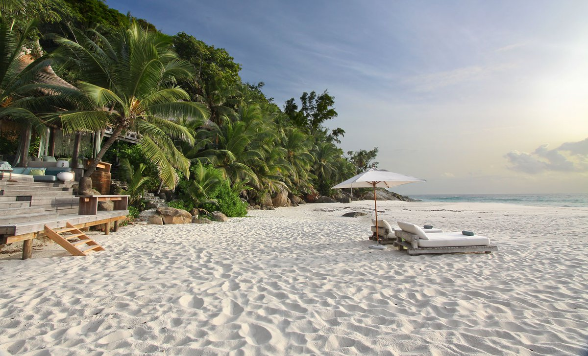 beach-in-front-of-villa-north-island-wilderness-safaris-andrew-howard-72625.jpg
