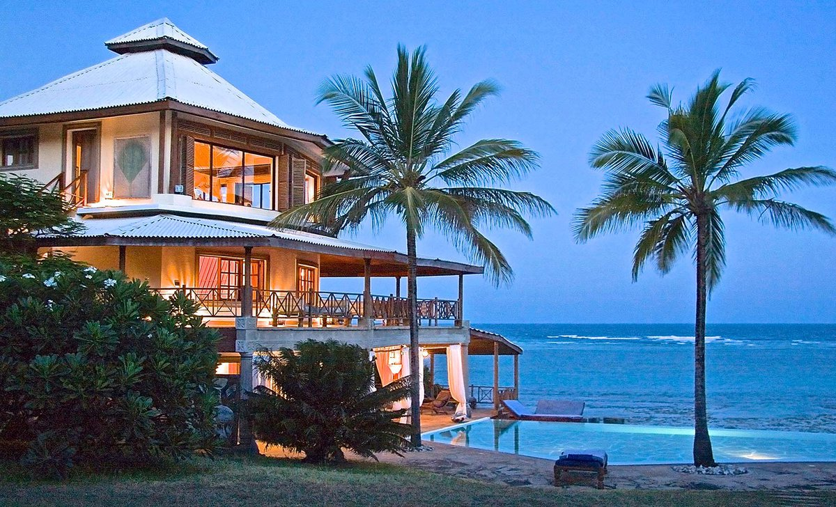 Cliff Villa Private beach house for families on Kenya Coast