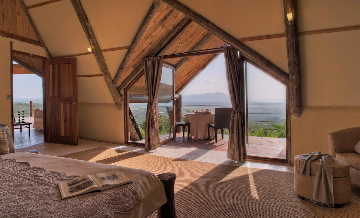 Cottar's private house bedroom with view