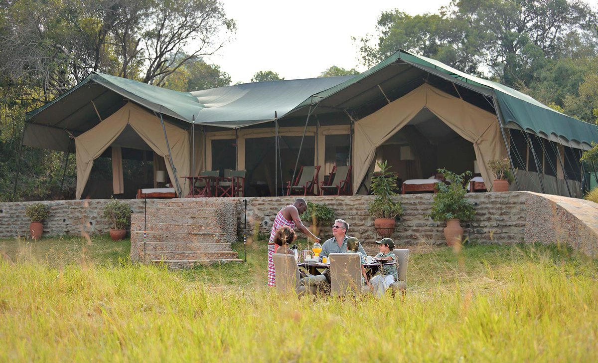 Family tent and outdoor dining at Kicheche Mara Camp
