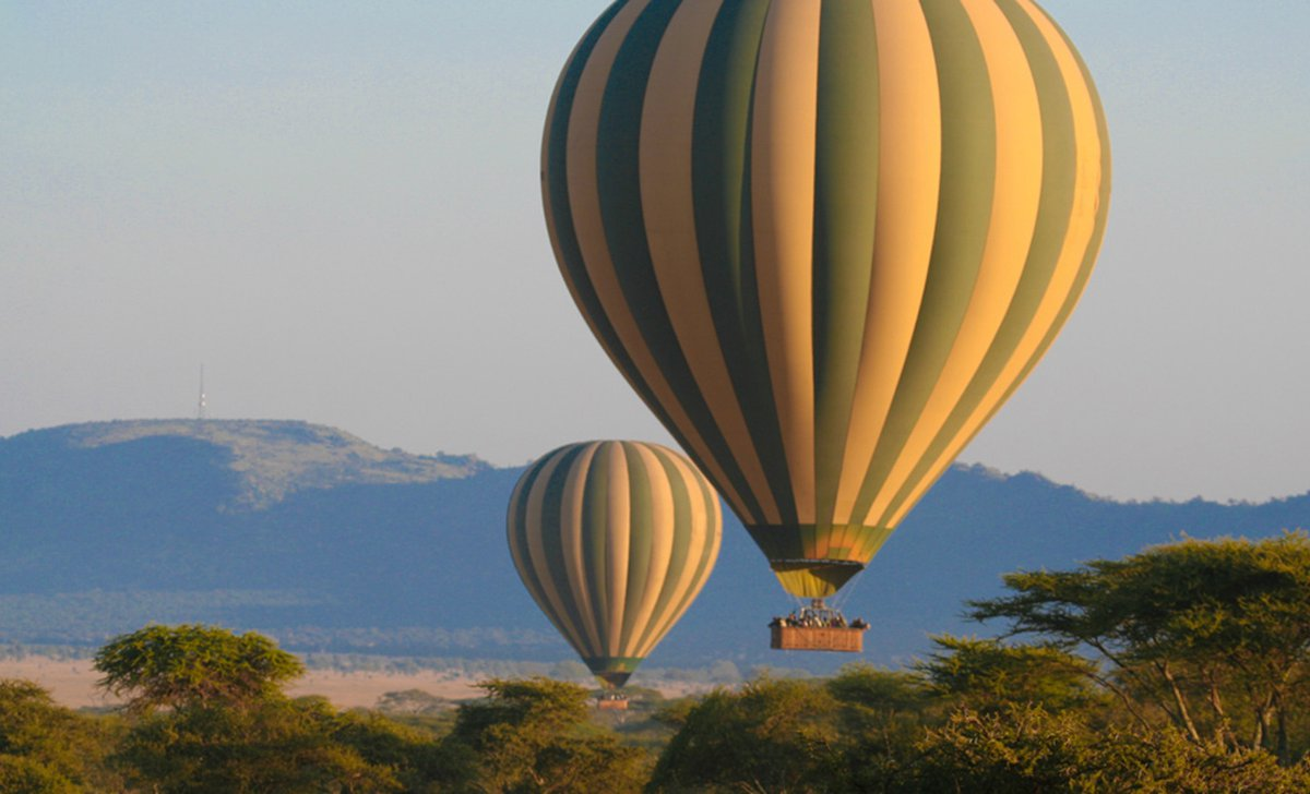 Hot air balloon over the Great Rift Valley at Chem Chem Lodge
