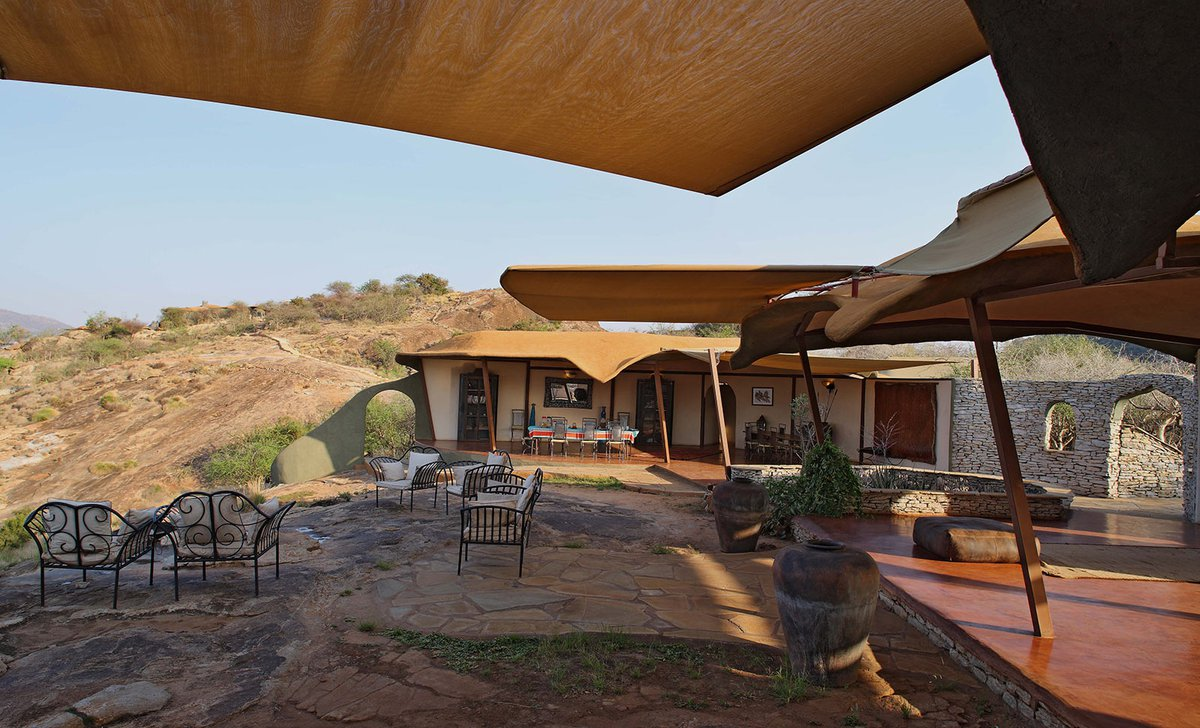 Kudu House main lodge with open walls