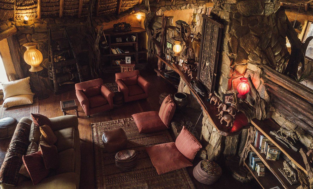 Ol Malo House private safari lodge lounge