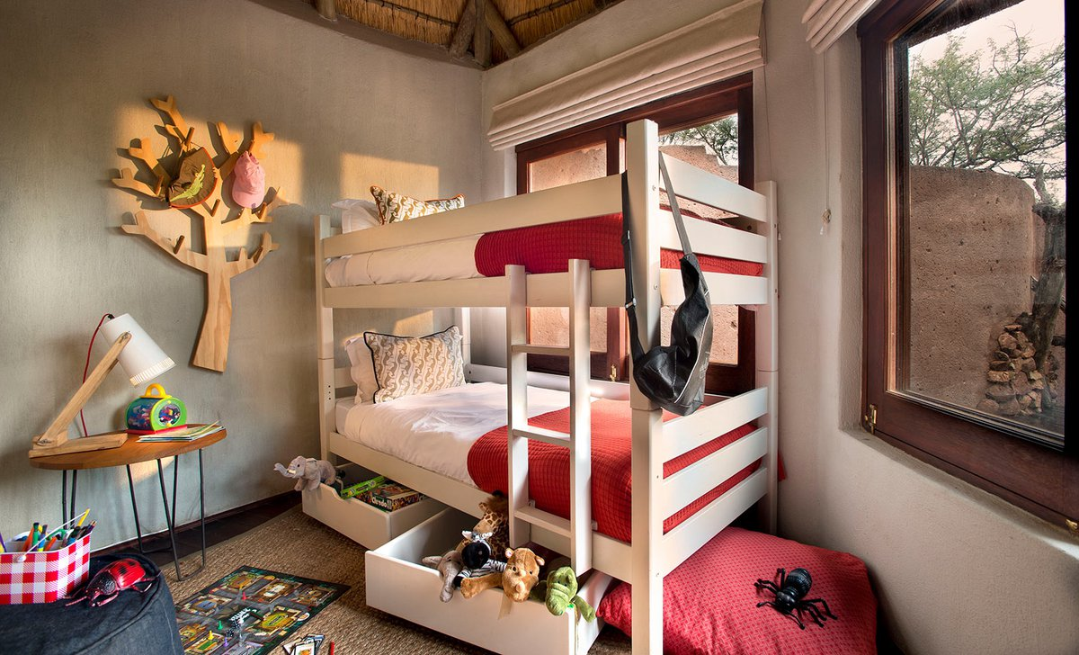 Lelapa Lodge kids bunk room