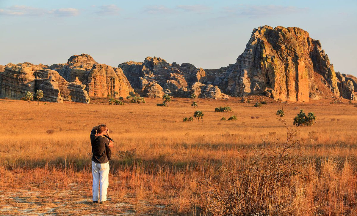 photographing-isalo-national-park-istock-467062326-by-dennisvdw-19286.jpg