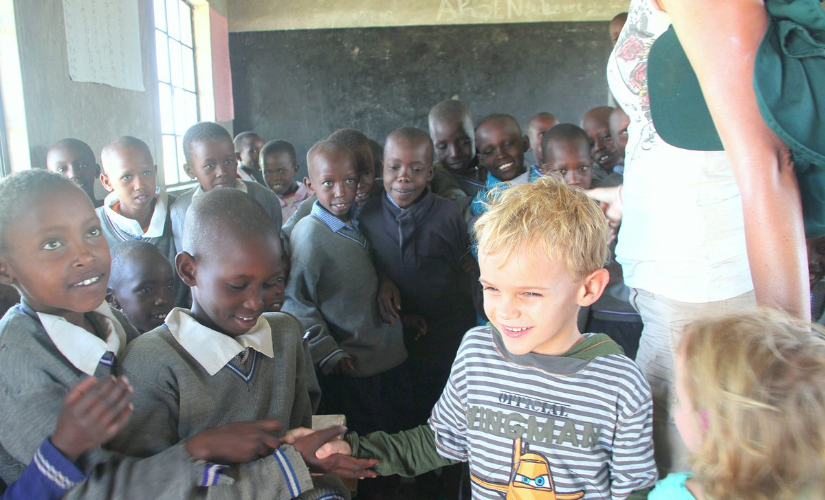 Primary school visit with children from Naboisho Camp