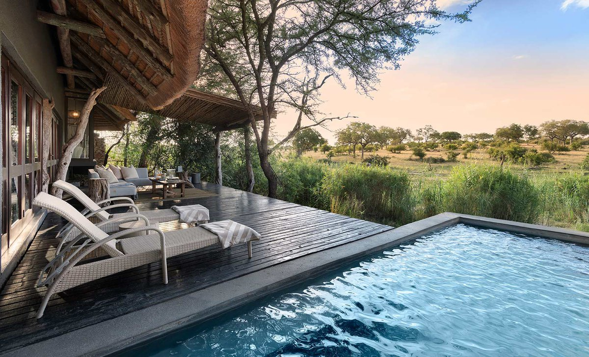 Private plunge pool and deck, Chitwa Chitwa.