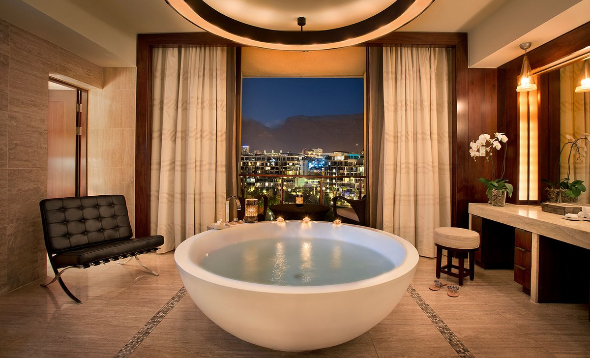 Suite bathroom with view of cape town